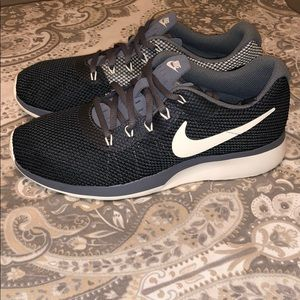 Women's Almost New Nike Running Shoes. Size 7.5